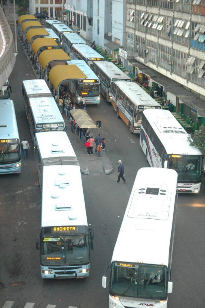 Ônibus rodam na ilegalidad