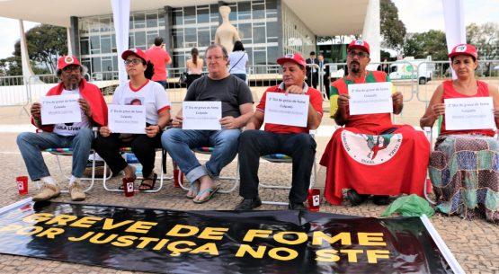 Primeiro dia da greve em frente ao STF