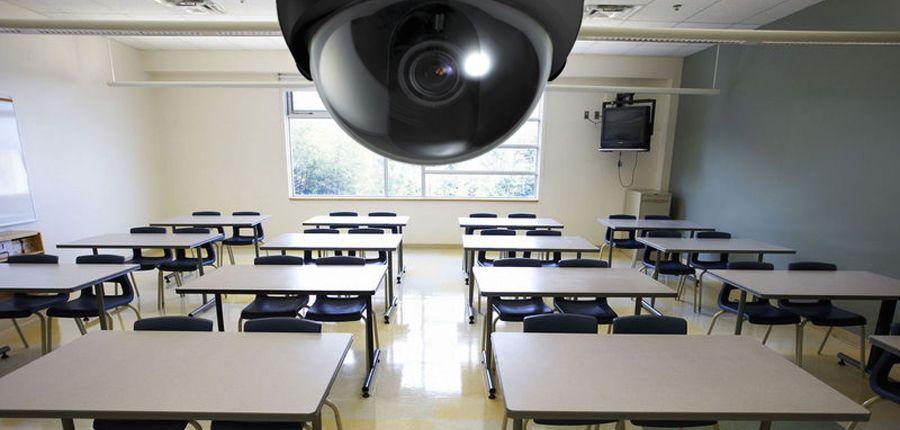 Câmeras de Vigilância em sala de aula