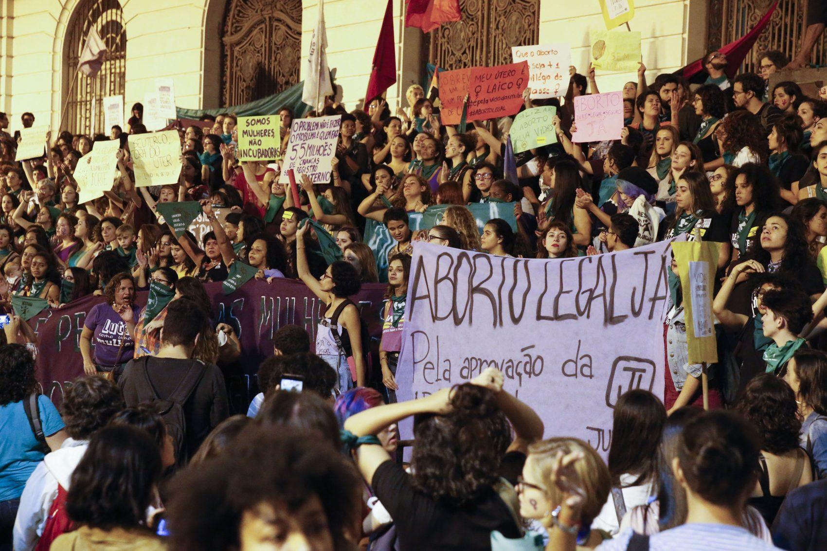"""""""Criminalizar o aborto representa que estamos fracassando enquanto Estado no cuidado e atenção à saúde e aos direitos reprodutivos das mulheres brasileiras"""""""