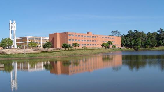 Centro Universitário Luterano Ji-Paraná, com 14 cursos regulares e 2.918 alunos, avaliado inicialmente em R$ 175,3 milhões