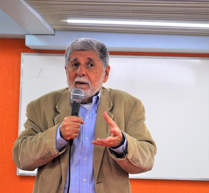 """""""O Brasil é o único país do mundo que acredita que o comunismo é uma ameaça"""""""