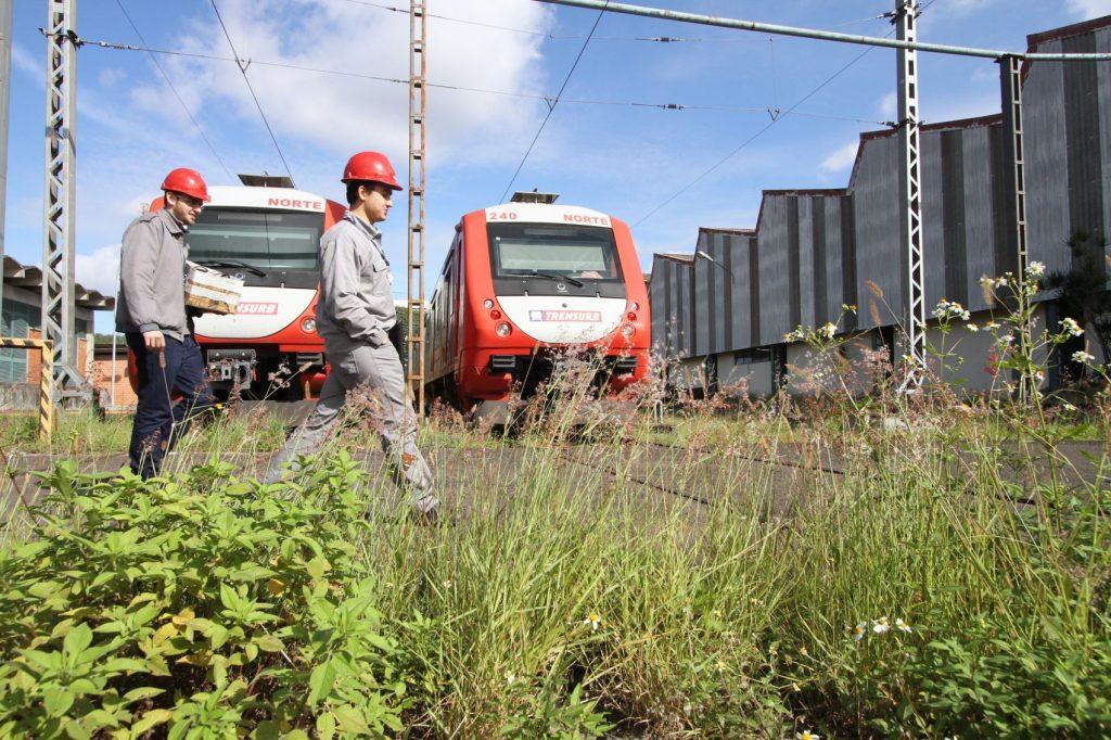 Trens parados na Trensurb