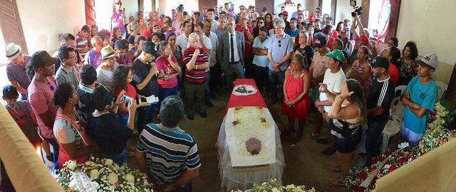 O velório de José Bernardo da Silva (conhecido como Orlando) aconteceu na capela do assentamento Zumbi dos Palmares, na cidade de Mari (PB)