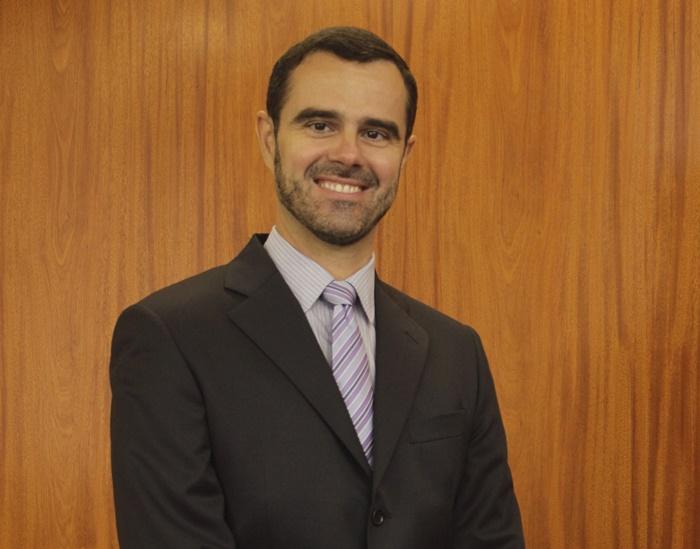 Servidor de carreira do BNDES, Cardoso assume a Fazenda com a missão de blindar o caixa do estado