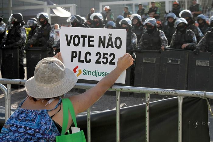 Sartori promoveu intervenção policial no Legislativo para aprovar projetos do Executivo, a exemplo da criação do regime próprio previdência, em dezembro de 2016