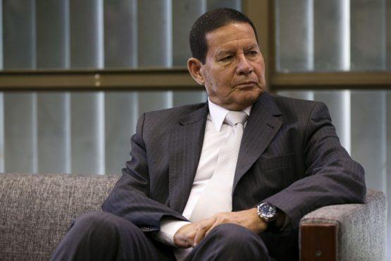 """""""Os militares teriam capacidade de liderança e de gestão que Bolsonaro não tem. Mas que garantia eles oferecem de que não se repetirão os crimes de tortura, desaparecimentos e assassinatos pós-64?"""""""