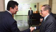 Moro e Vélez assinam protocolo de intenções para promover a Lava Jato da Educação | Foto: Luis Fortes/MEC/Divulgação