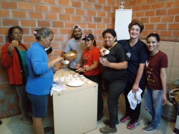Oficinas de panificação proporcionam aprendizado e alimentação a catadores de Cruz Alta