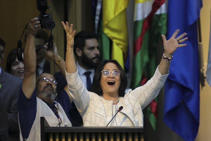 """""""Não tomo decisões sozinho. Ouço qualquer ministro, até Damares"""", disse Bolsonaro, referindo-se à ministra"""