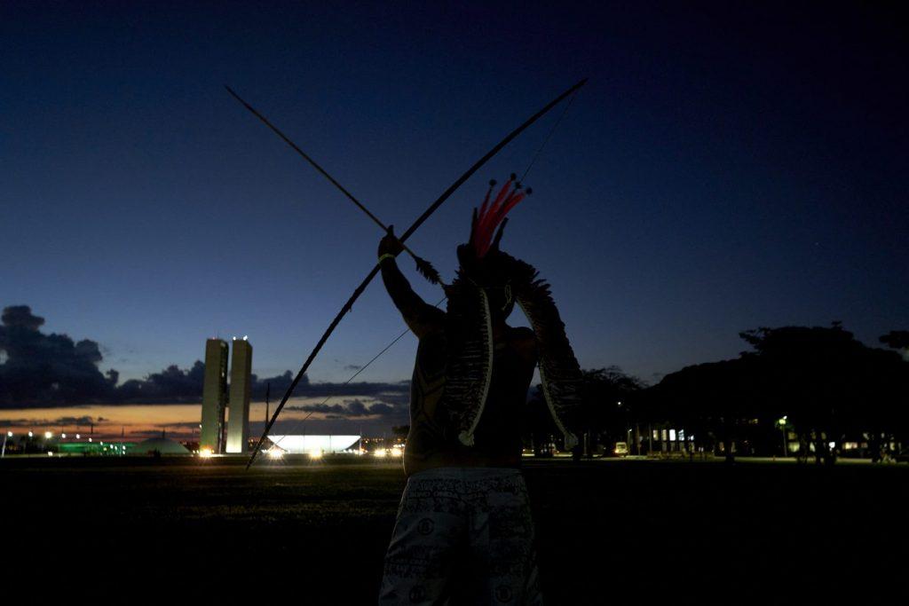 """Temos 5 séculos de experiência em resistência e vamos continuar resistindo. Queremos o direito de continuar sendo o que somos, com identidade preservada"""", afirmou Sônia Guajajara, coordenadora da Articulação dos Povos Indígenas, na abertura do ATL"""