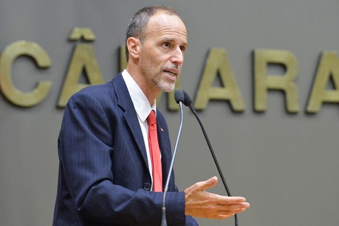 Marcelo Sgarbossa quer retirar da competência dos parlamentares municipais a iniciativa de proposição de denominação de logradouros