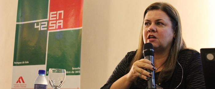 """""""Questão de segurança à vida"""", alerta Andrea Vilella coordenadora da Comissão de Ensino e Formação do CAU/BR"""