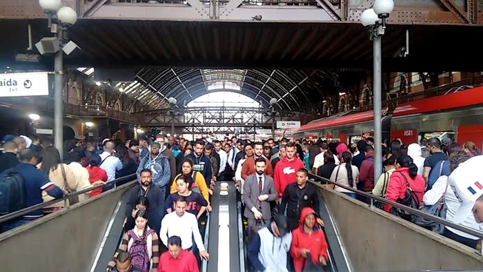 Metroviários da CTPM, que transporta quase 3 milhões de usuários por dia, anunciaram adesão à greve