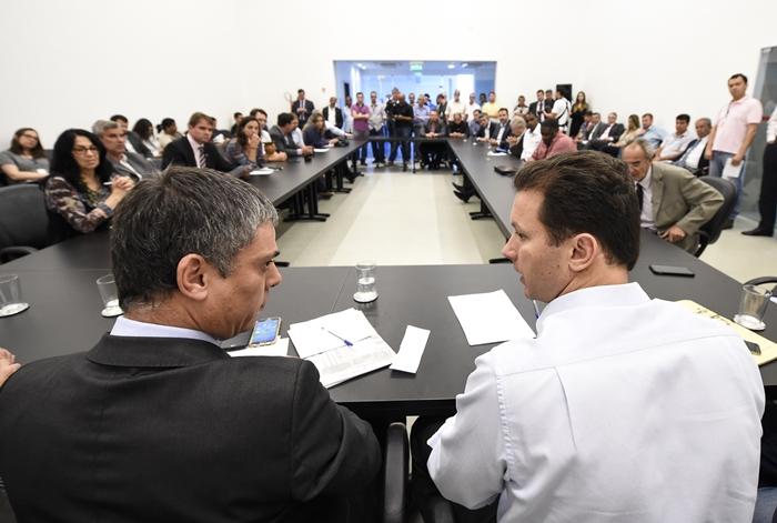 Reunião de vereadores liderada por Cassio Trogildo (PTB) com o prefeito Marchezan Jr. logo após a eleição