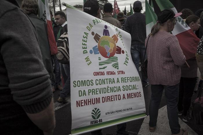 Marcha de pequenos produtores contra a reforma da Previdência