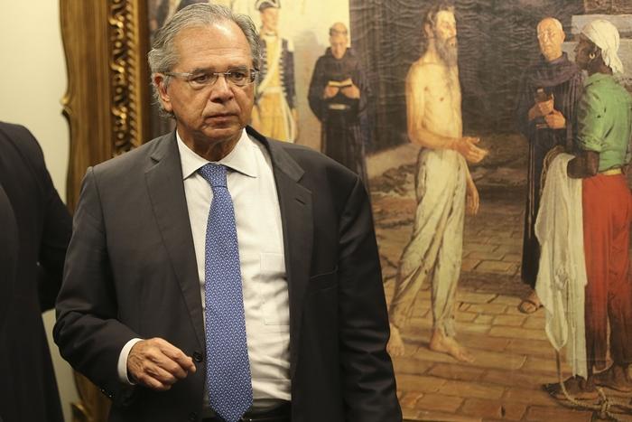 Tudo indica que a economia está derretendo, mas o ministro Paulo Guedes segue com sua agenda de ajuste fiscal e contração de gastos e aposta na reforma da Previdência como a grande solução para a retomada do crescimento