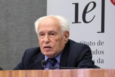 José Goldenberg