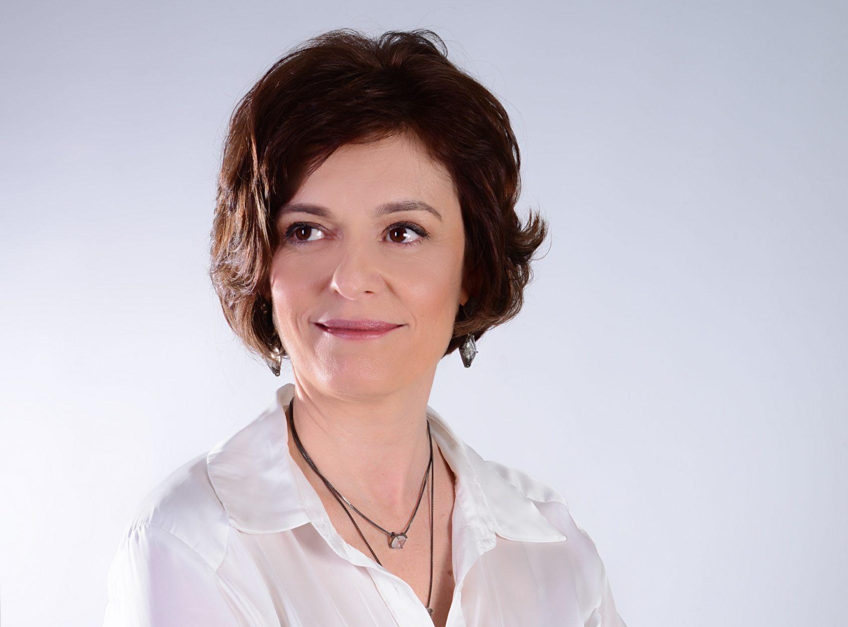 Luciana Braun Reis usa a experiência como professora para disseminar as práticas da Economia Criativa