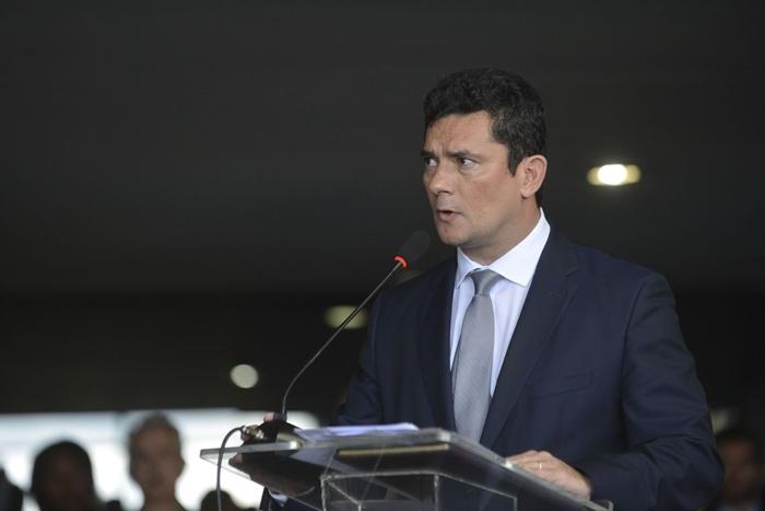 O ministro da Justiça de Bolsonaro, Sergio Moro, abandonou coletiva em Manaus na manhã desta segunda-feira, 10, após ser questionado sobre mensagens dele com procuradores quando era juiz da Lava Jato