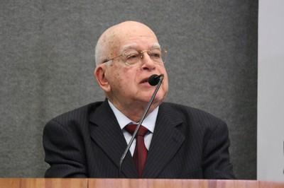 Murílio Hingel