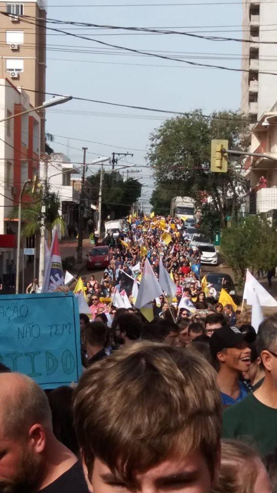Santo Ângelo - Milhares na rua