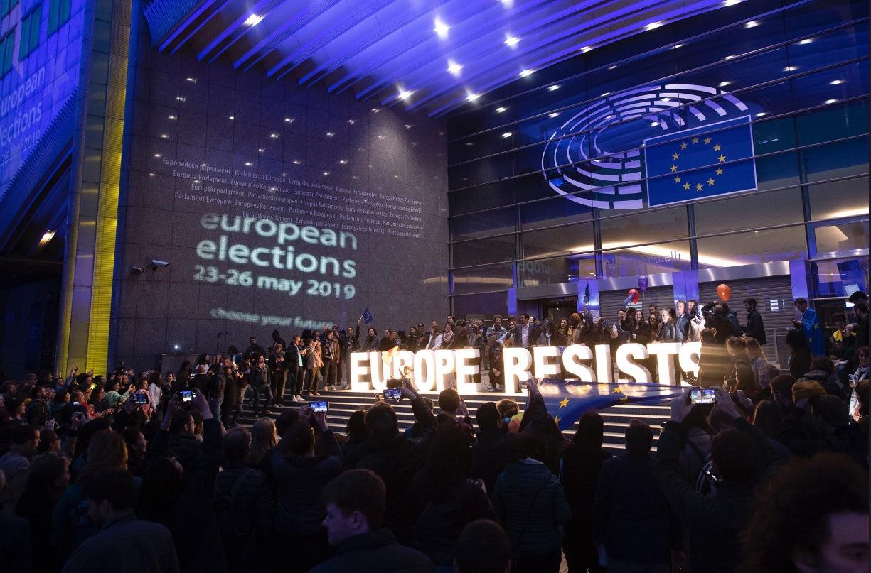 """Se a Comunidade Europeia passasse para as mãos de extremistas de direita nacionalistas """"seria difícil ter esperança na democracia"""", alerta a ONG"""