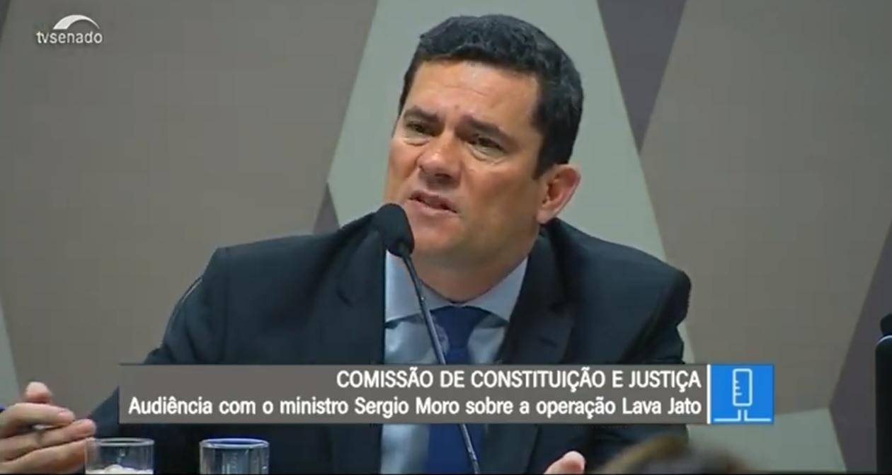 Transmitido ao vivo pela TV Senado, o Ministro Sergio Moro se defende no caso dos vazamentos das conversas com Dallagnol