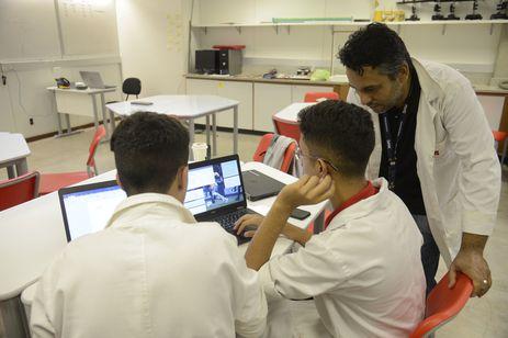 Escola é lugar de gente | Foto: Agência Brasil