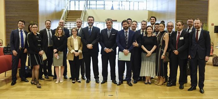 Acordo foi fechado às pressas no dia 28 de junho, por pressão de políticos europeus e do presidente argentino, que busca a reeleição em meio à crise