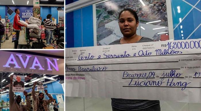 Manifestantes fizeram compras na filial da Havan de Itaquaquecetuba (SP) e ofereceram como pagamento cheque simbólico no valor que o empresário Luciano Hang sonegou da Receita Federal e do INSS