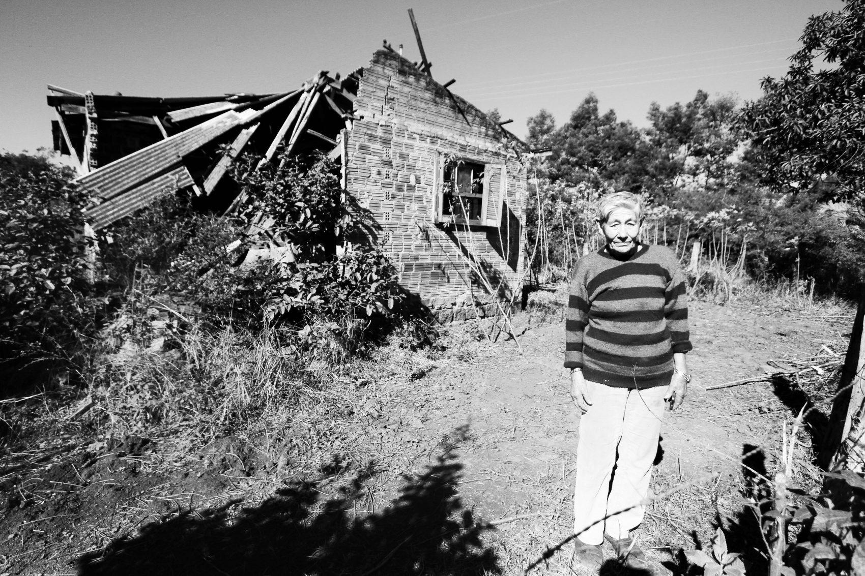 Carolina: impacto das detonações danifica casas e tira o sono dos moradores