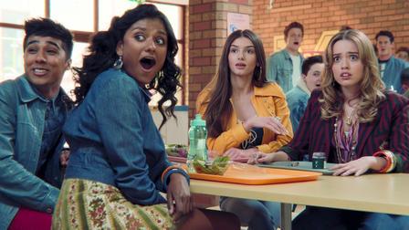 Frame da série Sex Education (2019), com direção de Laurie Nunn