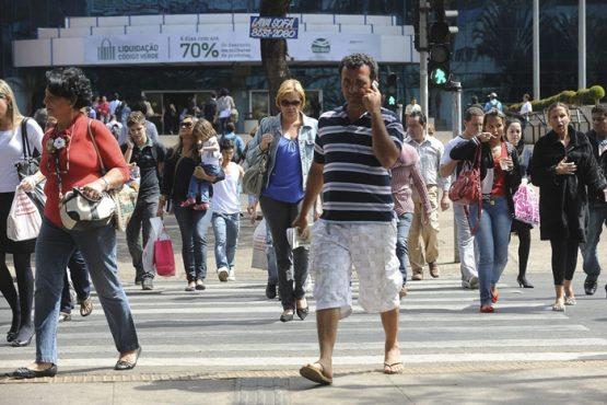 Mesmo com a queda de 4,6% nesse período, no país ainda há 12,6 milhões pessoas em busca de trabalho