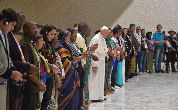 Livro inclui principais discussões dos Encontros Mundiais coordenados pelo Papa desde 2014 com a participação de representantes dos Movimentos Populares em diferentes partes do continente americano