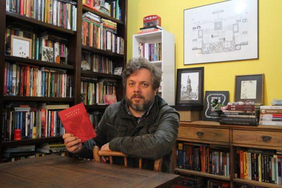 O professor, o gigante e o escritor | Foto: Igor Sperotto