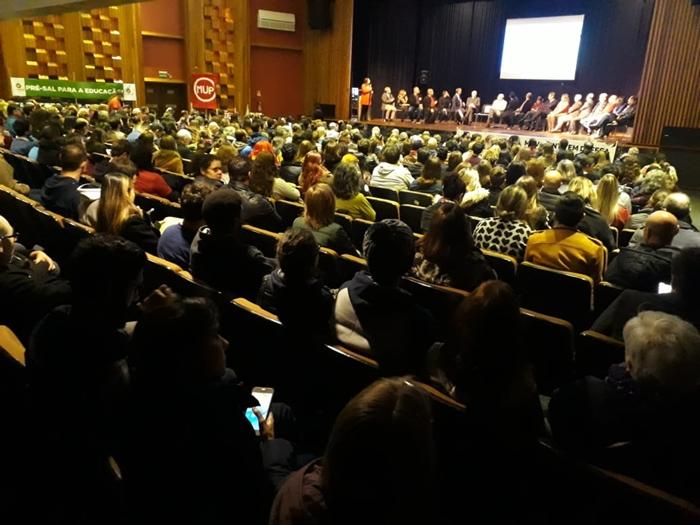 Ato contra o Future-se e cortes orçamentários lota auditório da UFCSPA
