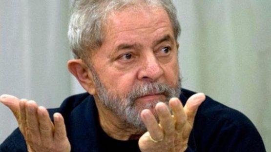 O constrangimento de Lula | Foto: Agência Brasil