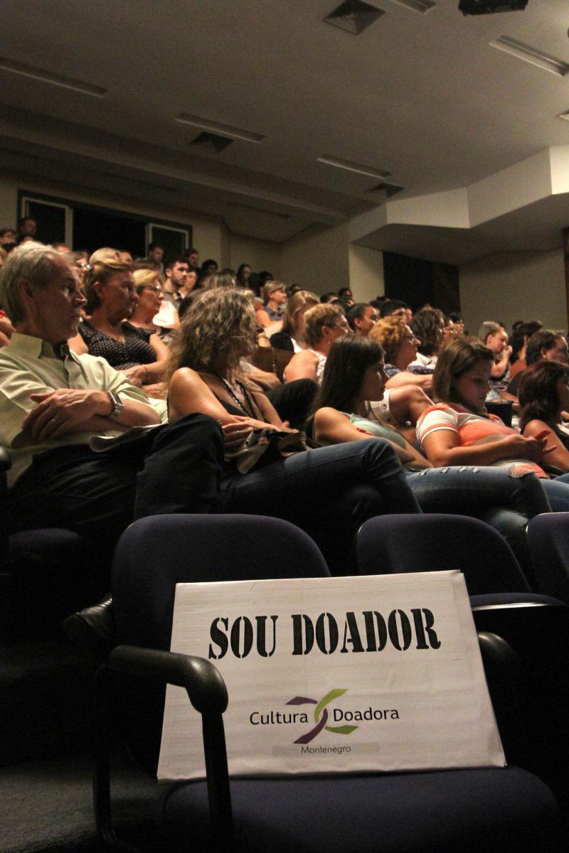Aula Show  com o médico Spencer Camargo e Los 3 Plantados na Fundarte com depoimento de Naara Vidal, transplantada.