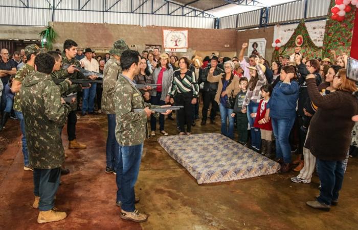 Mística abordou a violência do Estado e o papel das mulheres para o sucesso das ocupações