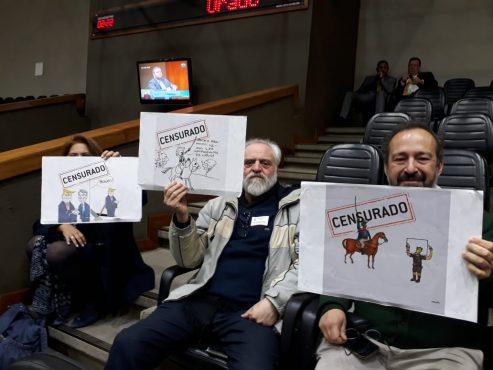 Os artistas Edgar Vasques e Vecente participaram dos protestos no plenário da Câmara após a censura que foi derrubada nesta quinta-feira pelo judiciário