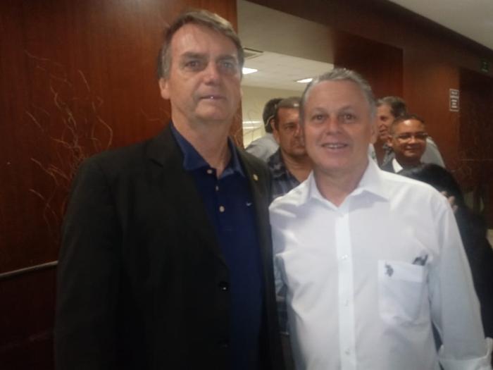 Coronel da reserva e explorador de madeira na Amazônia, Bezerra foi nomeado para chefiar o Ibama