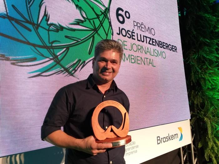 O jornalista Gilson Camargo, subeditor do Extra Classe, foi agraciado com o primeiro lugar na categoria Webjornalismo