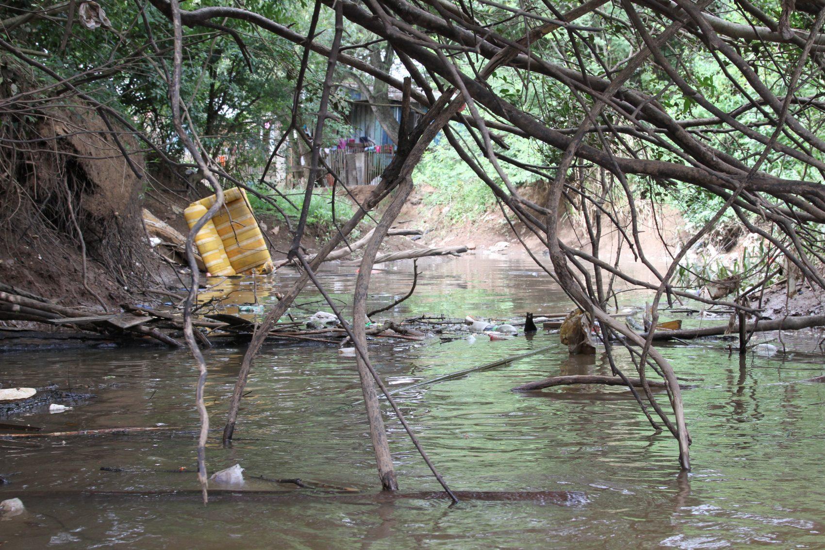 O Rio Grande do Sul possui três rios entre os dez mais poluídos do Brasil: Gravataí, Sinos (foto) e Caí