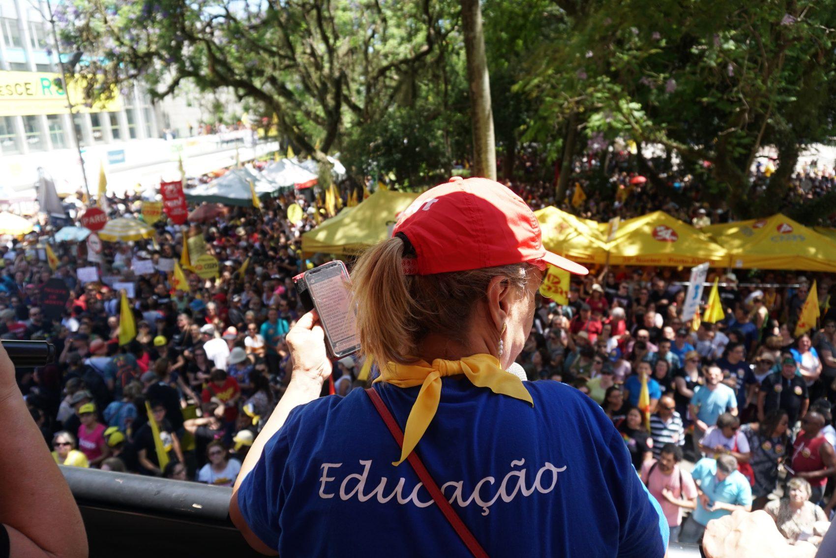 Apoio à mobilização dos professores estaduais