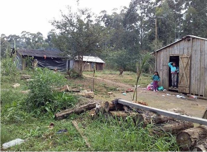 crianças indígenas aldeia Guajuvira Tekoá Guajayvi