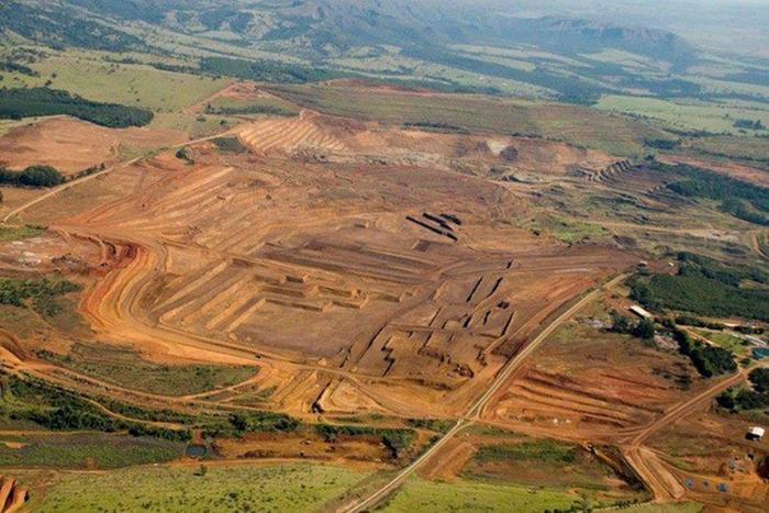 Jazida de Nióbio explorada pela Codemig, uma estatal que está na mira das privatizações, é a mais produtiva e que fornece mineral com o maior teor de extrato de Nióbio da região, localizada em Araxá