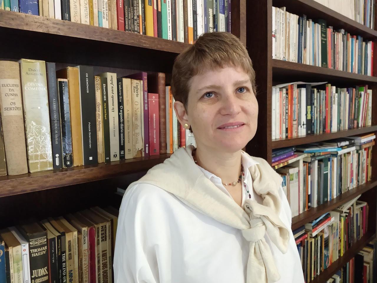 Entrevista com Mariana Barbosa - Desinformação em massa na rede das ilusões perdidas