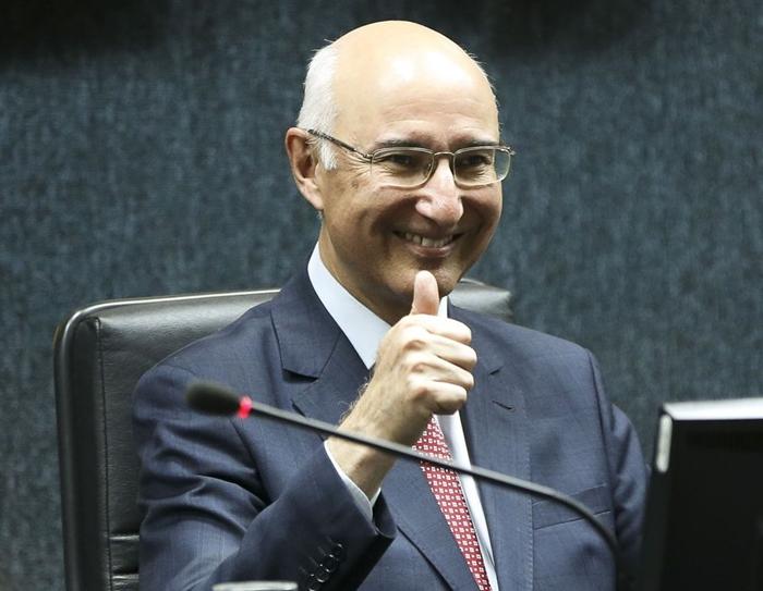 O ministro Ives Gandra, do TST, que criminaliza a greve dos petroleiros, é seguidor de Olavo de Carvalho e tem um pé no governo Bolsonaro