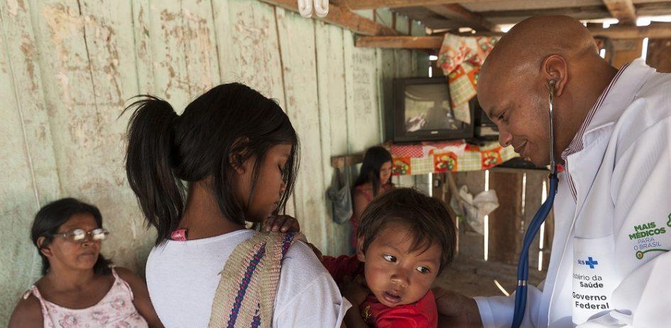 Morte de 530 bebês indígenas após saída de médicos cubanos